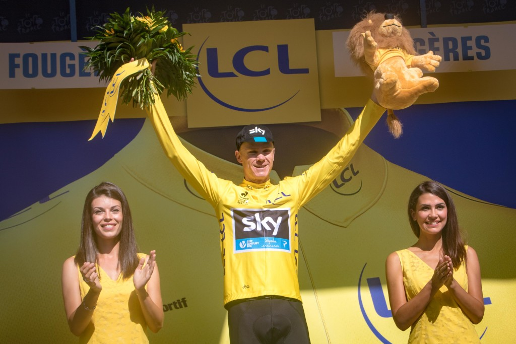 With no new time-gaps, and time bonuses going to the sprinters, Chris Froome is back in the yellow.