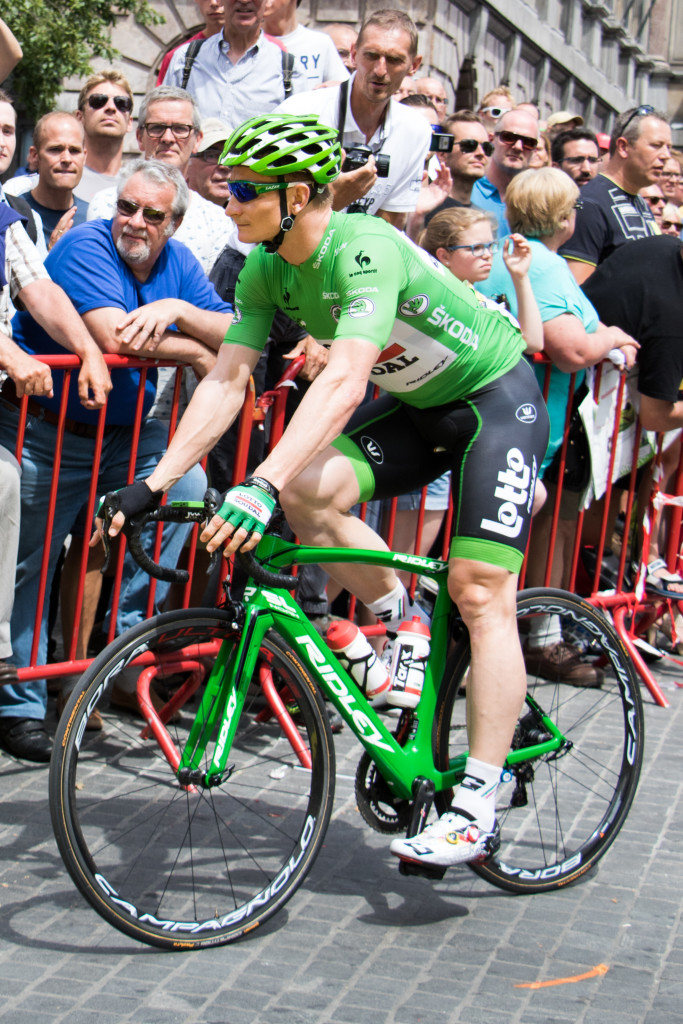 Andre Greipel (Lotto-Soudal) in green after yesterday's stage. After today, he bumped up his lead a little further against his closest rival, Peter Sagan (Tinkoff-Saxo)