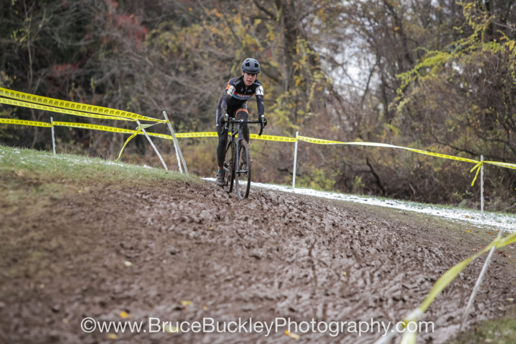 Crystal Anthony (Maxxis-Shimano) dropped her chain at the start, but was able to work her way back through the field to take second place finish on Sunday.