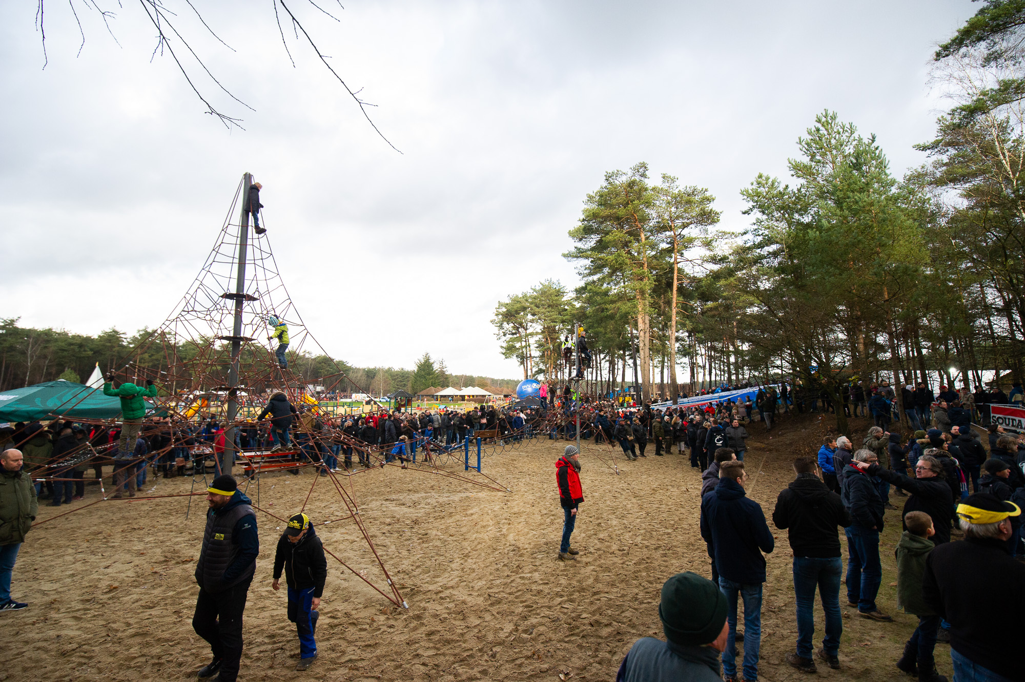 Krawatencross is held at Lisle de Bergen, a campground and recreation park in Lille, Belgium.