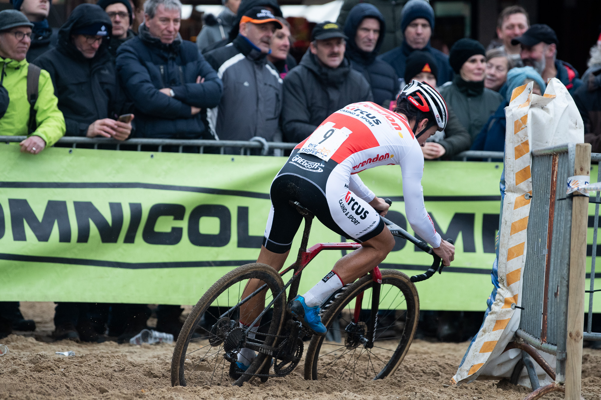 Tom Meeusen cornering in one of the deep ruts that characterize the Krawatencross course.