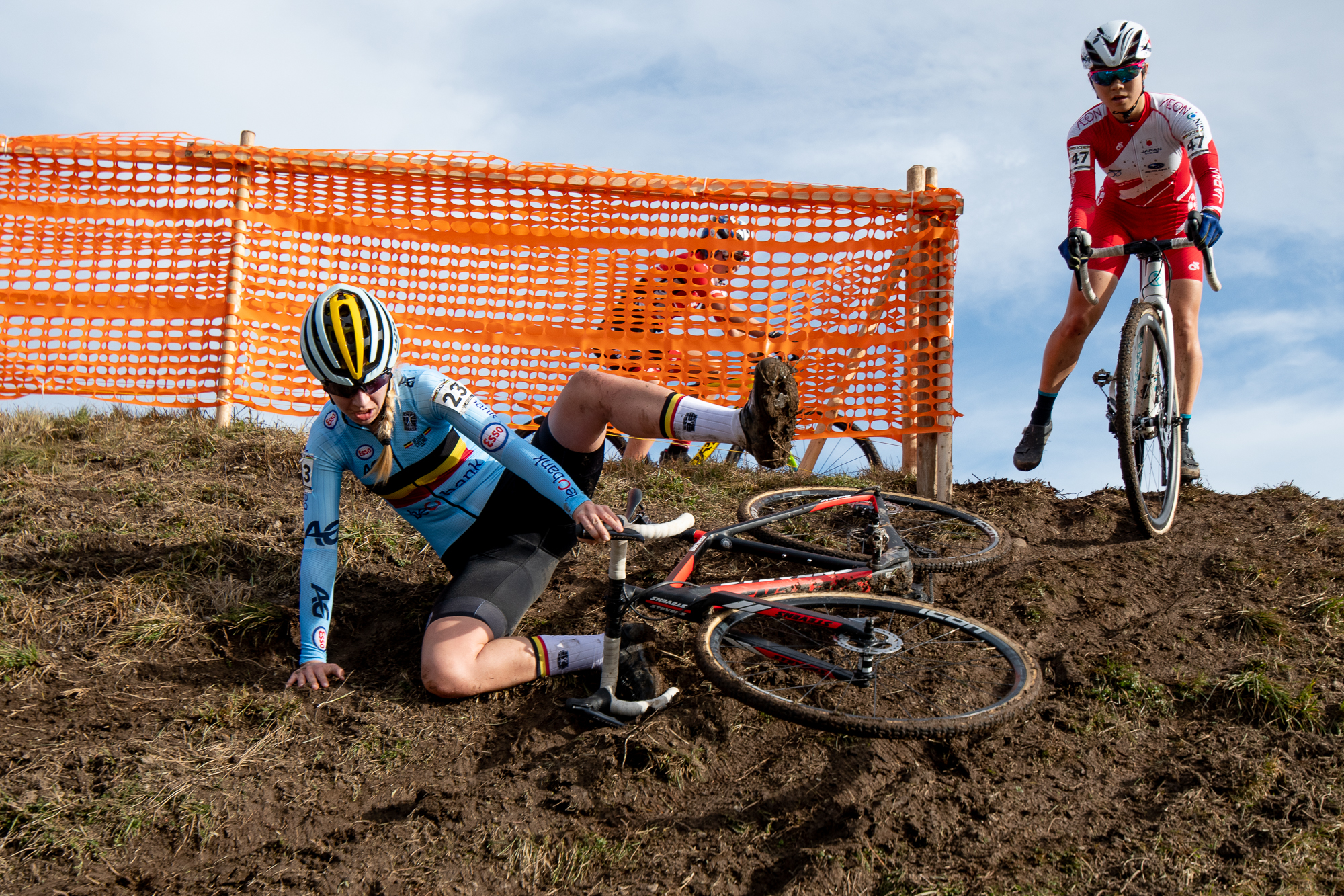 Mirthe Van Den Brande slides out on an off-camber descent at the UCI Cyclocross World Championships
